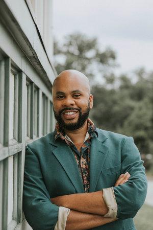 Photo of R. Eric Thomas