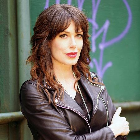 Photo of Tara Moss