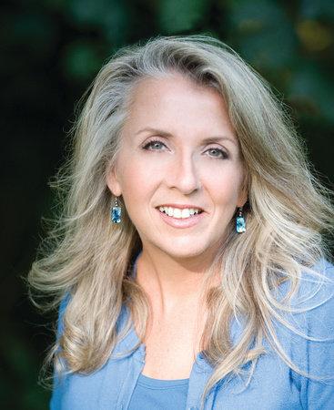 Photo of Ellen Meister