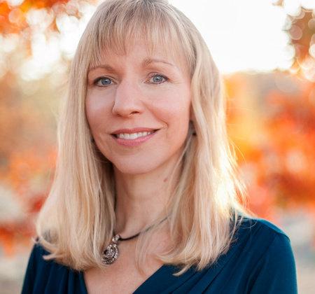 Photo of Julie Klassen