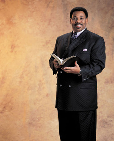 Photo of Tony Evans
