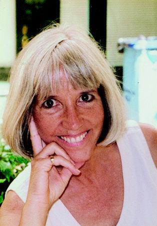 Photo of Jeanne DuPrau